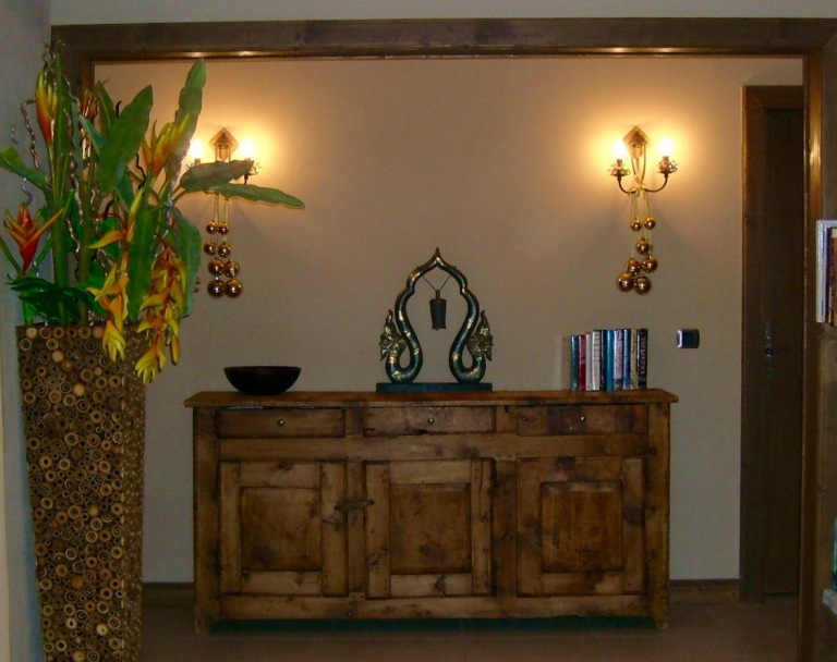 entrance to living area (1)